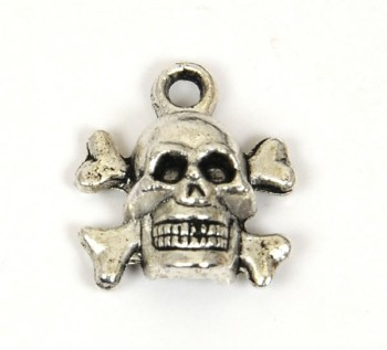 Pewter Charm - Skull & Crossbones (1 pc)