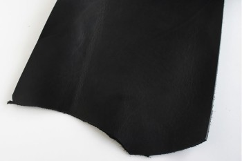 Leather cut in 30cm width, LC Premium Dyed Leather Struck Through <Black>