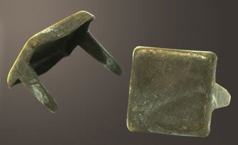 """Square Head Spot- Relic Brass  <1/4"""">(1000 pcs)"""